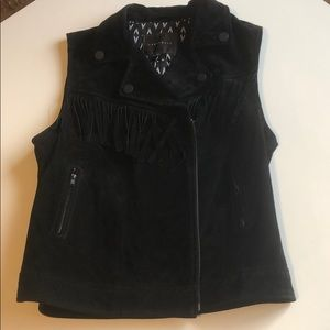 Black sleeveless suede vest